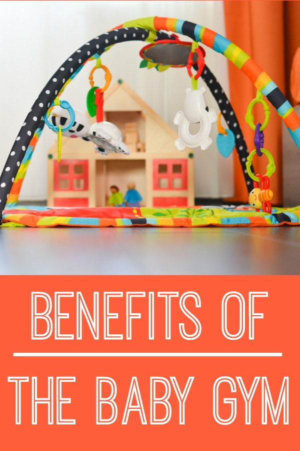 A baby must have for your baby boy or baby girl! A physical therapist explains several of the benefits to play with a baby gym! - Pink Oatmeal