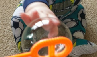 Bubbles with Baby –  Motor and Sensory Play
