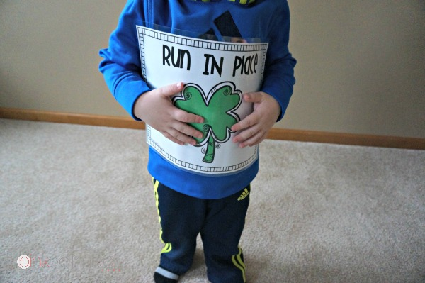 St. Patrick's Day Gross Motor – Clover Hop A fun way to get the kids moving with a St. Patrick's Day theme! I'm using this all of March!