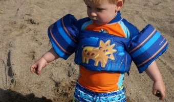 Toddler Swimming Benefits with Stearns Puddle Jumper