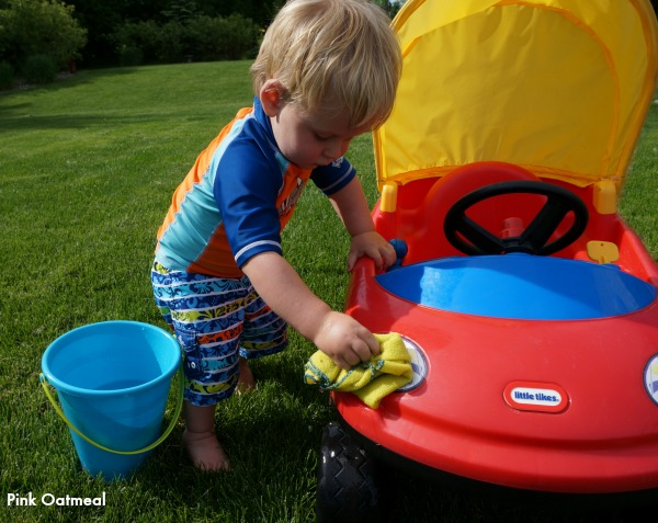 Washing The Car - Pink Oatmeal
