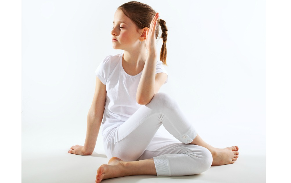 Easy Kids Yoga Poses With Rotation