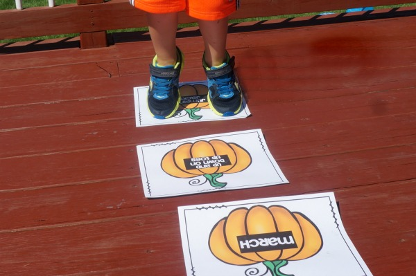 Pumpkin Patch Hop – Fall Gross Motor Game