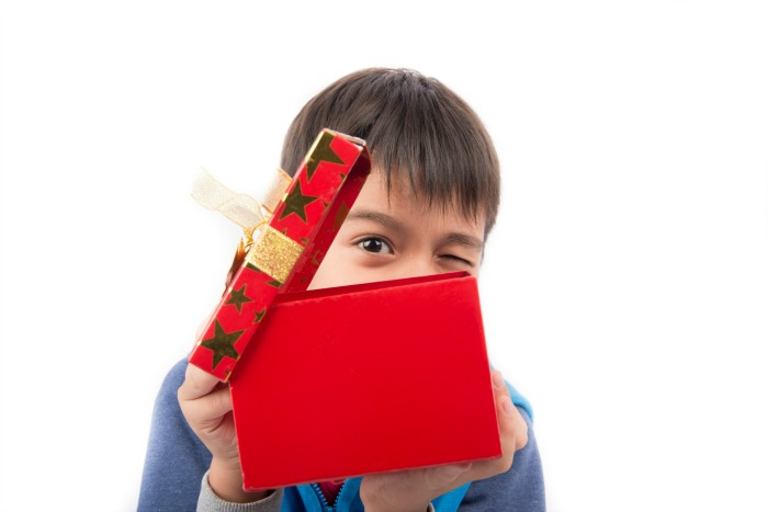 A huge list of gifts recommended by physical therapists and occupational therapists for your kids! #pediatricphysicaltherapy #pediatricoccupationaltherapy #holidaygifts