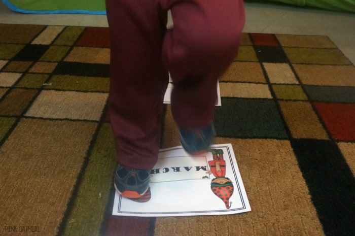 Christmas Gross Motor Idea. The holiday hop is sure to be a hit with the kids, great for a brain break, and perfect for a holiday celebration!