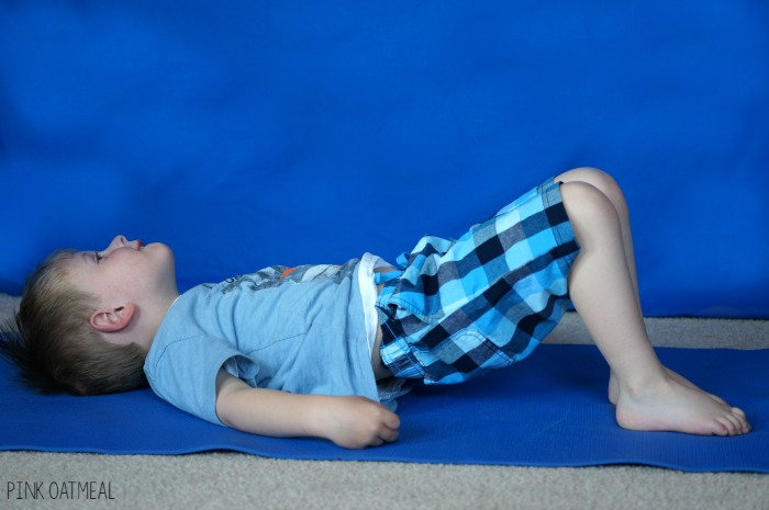 Ocean themed yoga pose ideas. Perfect for an ocean unit activity, beach activities, brain breaks, or kids yoga. Use these all year long and have fun with the ocean theme!