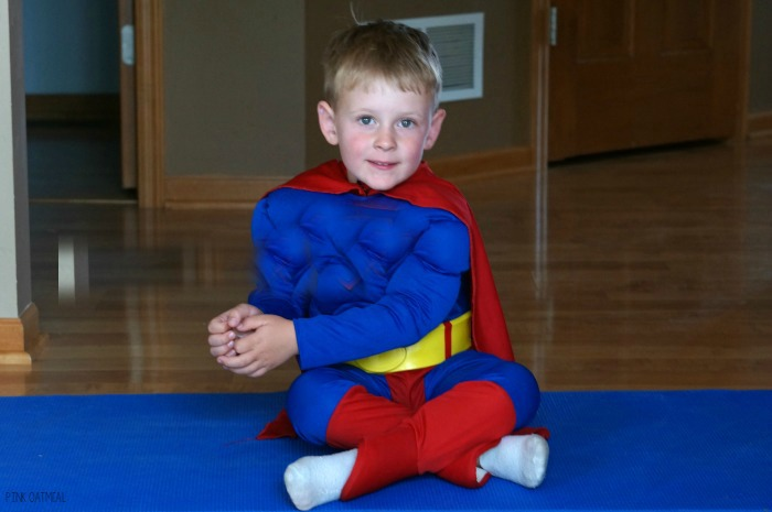 Superhero Yoga Pose Ideas and Supehero Gross Motor Ideas. These are awesome way to incorporate movement into a superhero theme, superhero classroom, or for any superhero!